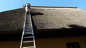 Grünbelag Entfernen Pflaster : reetdach reinigen schilfdach reinigung beton pflaster ~ Lizthompson.info Haus und Dekorationen