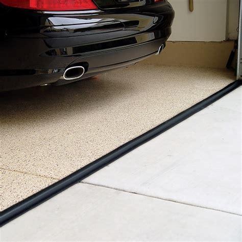 Tsunami Garage Door Seal   Black in Garage Floor Protection