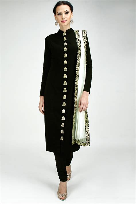 Again minus the shoe choice this outfit is gorgeous | Ethnic Wear | Pinterest | Shopping Black ...