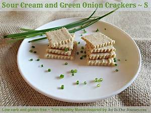 Crispy Sour Cream and Green Onion Crackers (low carb ...