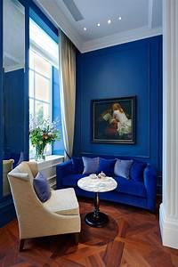 25, Stunning, Living, Rooms, With, Blue, Velvet, Sofas
