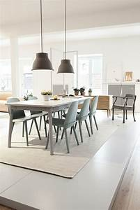 salle a manger chaise bleue design scandinave ideeco With deco cuisine avec chaise salle a manger grise