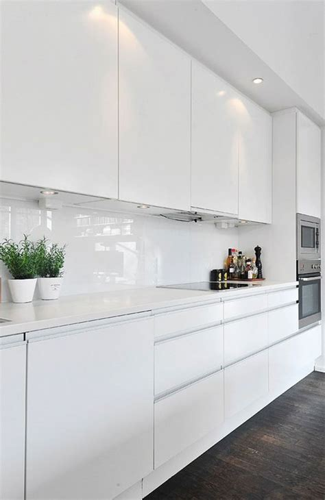 glossy white kitchen cabinets las 50 cocinas blancas modernas m 225 s bonitas mil ideas de 3852