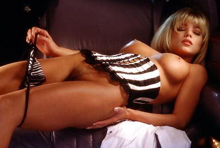 Nackt Donna DErrico  Veteran Hottie