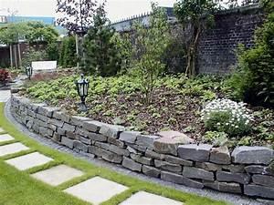 Beet Im Garten : steinmauer im garten m belideen ~ Lizthompson.info Haus und Dekorationen