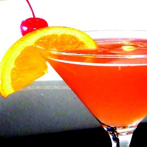 How you should drink malibu rum. malibu barbie drink with grenadine