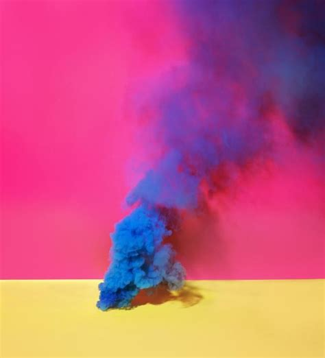 how do you make colored smoke bombs