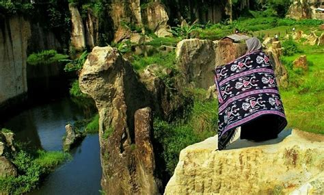 tebing koja wisata kandang godzilla  pemandangan
