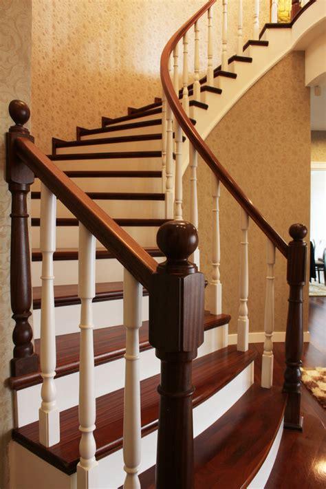 peinture cuisine moderne peindre un escalier en bois