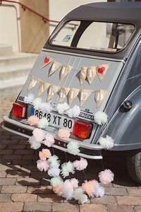 Deco Avec Piece De Voiture : d coration voiture mariage just married 10 jolies fa ons de d corer sa voiture de mariage elle ~ Medecine-chirurgie-esthetiques.com Avis de Voitures