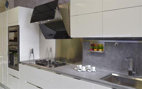 Accessori Arredo Cucina by Cappe Aspiranti Per Cucine Lavelli Rubinetteria