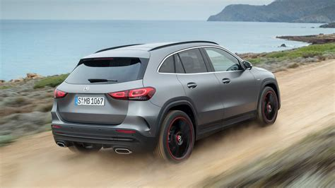 See its design, performance and technology features, as my mercedes me id. 2020 mercedes-benz gla rear quarter-2 - ForceGT.com