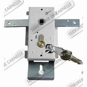 Porte basculante guide d39achat for Porte de garage enroulable avec serrure securite