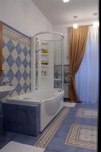 Kleines Bad Mit Wanne : wanne dusche kombination kleines bad idee oval handbrause b der ~ Frokenaadalensverden.com Haus und Dekorationen
