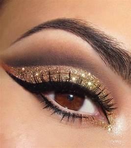 Maquillage Pour Yeux Marron : maquillage yeux dore marron ~ Carolinahurricanesstore.com Idées de Décoration