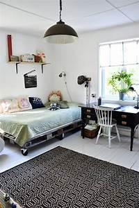 1001 idees creatives pour fabriquer des meubles en palette With tapis ethnique avec canapé lit style scandinave