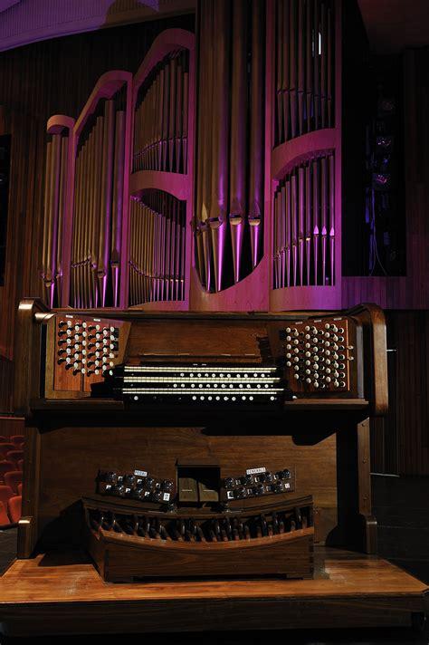 Aula Pipe Organ