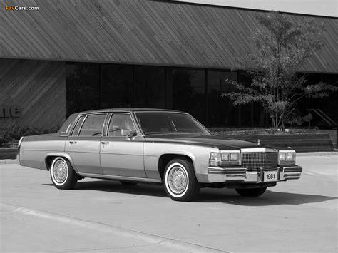 Cadillac Sedan de Ville 1980–84 images (1024x768)
