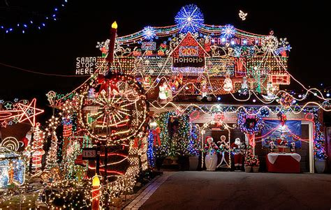how to stage a house during the holidays