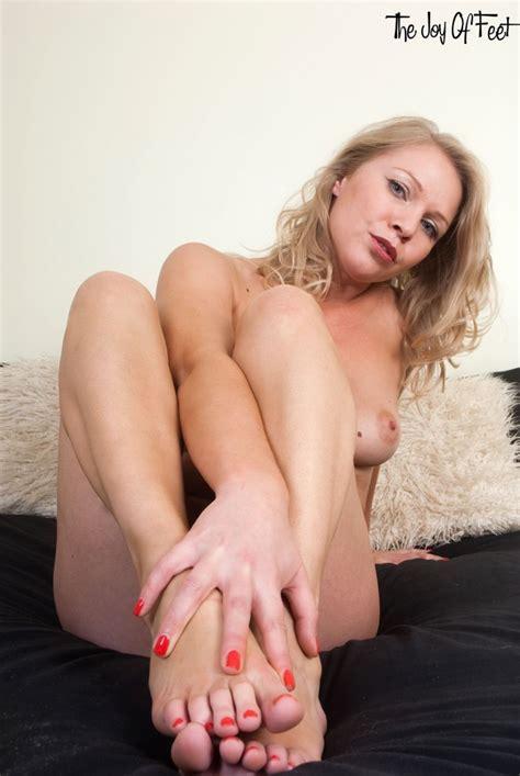 Yasmine bleeth nude fakes
