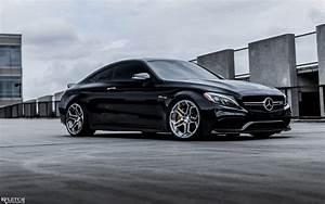 Mercedes C63s Amg : gorgeous black mercedes benz c63 amg with velos ~ Melissatoandfro.com Idées de Décoration