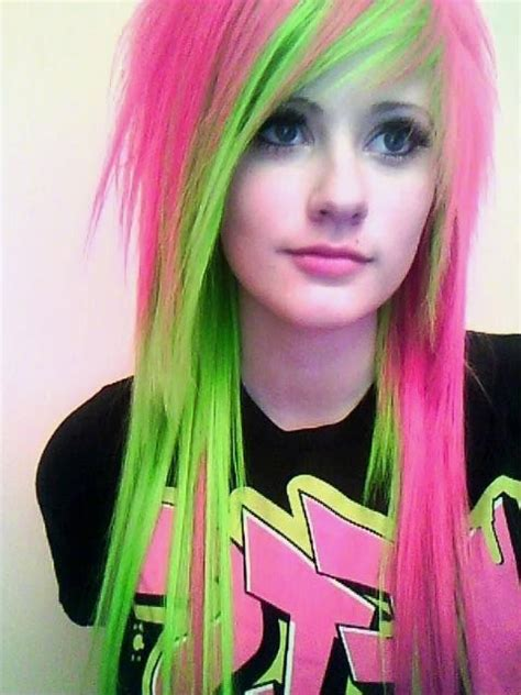 Celebrity Hairstyles Pink And Green Color For Teen 2015