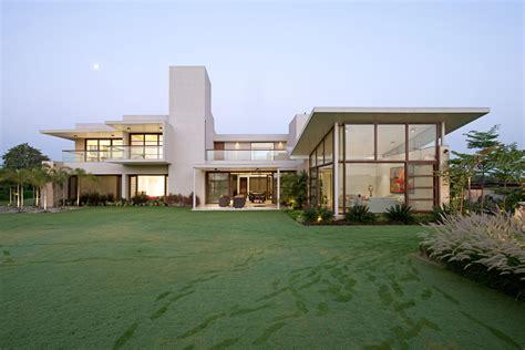 urbane house  hiren patel architects  ahmedabad india