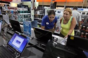 Weak growth seen in PC shipments this year: Gartner