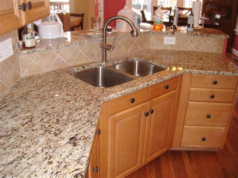 santa cecilia granite with tile backsplash nc