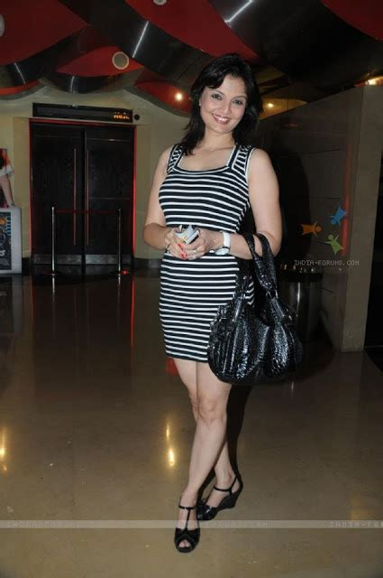 1st Picture Deepshikha Nagpal Hot Pictures And Photo