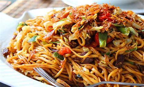 Mie goreng aceh memang memiliki perpaduan bumbu yang sangat khas. Resep Dan Cara Membuat Mie Aceh Goreng Masakan Spesial ...