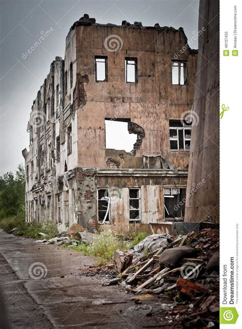 war devastation fear russia scenery wet dirty home