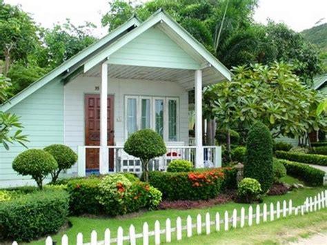 Beautiful Small Front Yard Garden Design Ideas-style