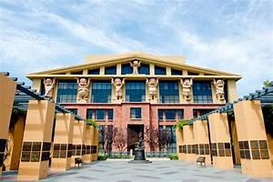 Michael D. Eisner Building corporate HQ for The Walt ...
