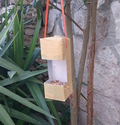bricolage fabriquer une mangeoire pour les oiseaux