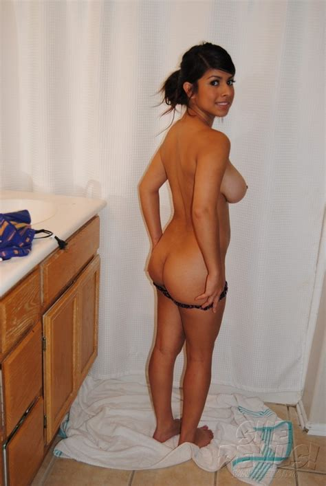 Latina Amateur In Action Page 17