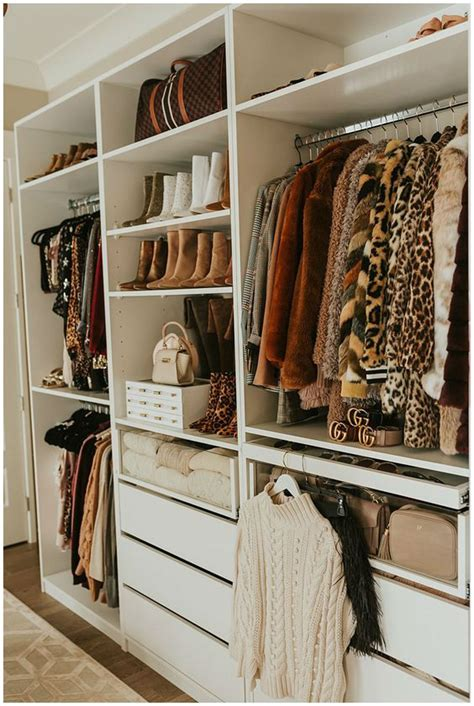 10 Reasons To Declutter Your Closet Right Now by 10 Reasons To Declutter Your Closet Right Now Decoholic