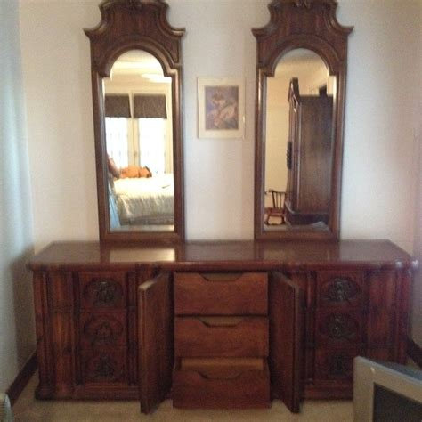 thomasville double mirror dresser  antique furniture
