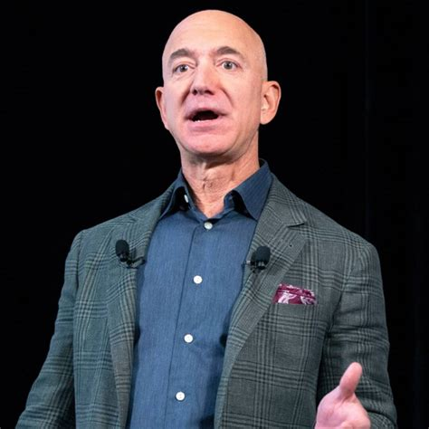 Jeff Bezos Is Stepping Down as Amazon CEO - E! Online