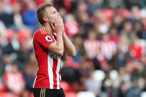Sebastian Larsson close to becoming Hull City's latest ...