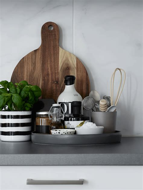declutter  space   stylish kitchen tray page