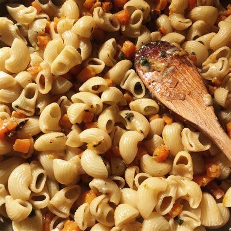 la sauge en cuisine pâtes au potiron et à la sauge ou pâtes à la courge