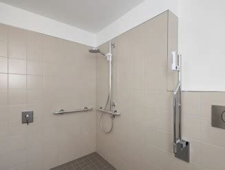 dusche barrierefrei fliesen behindertengerechte dusche 187 barrierefreie dusche