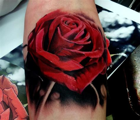 24+ Red Rose Tattoo Images, Pictures And Ideas