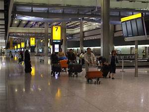 Panoramio - Photo of Baggage claim at Heathrow Airport ...