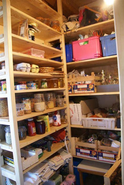 rangements cuisine ikea creation d un espace de rangement pour cellier et chaussures