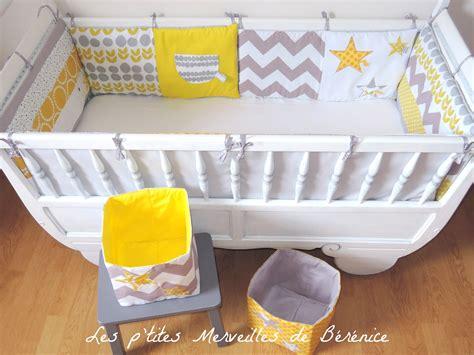 chambre bébé gris et jaune chambre bebe jaune moutarde