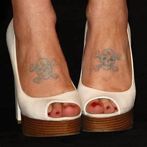 Kelly Osbourne's Skull & Crossbones Foot Tattoos | Steal ...