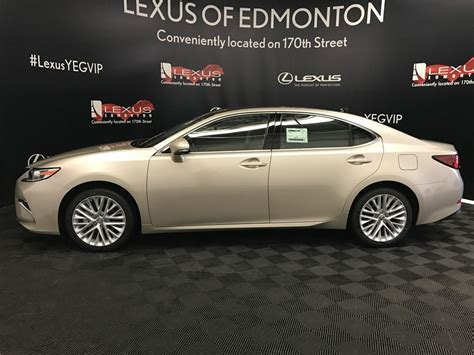 pre owned  lexus es  demo unit executive package