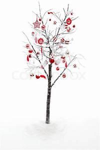 Laubbaum Mit Roten Blättern : schnee bedeckte ste und zweige von einem laubbaum ist mit roten und wei en christbaumkugeln ~ Frokenaadalensverden.com Haus und Dekorationen